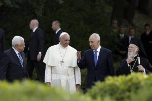 Papa Francesco riceve Peres e Abbas in Vaticano